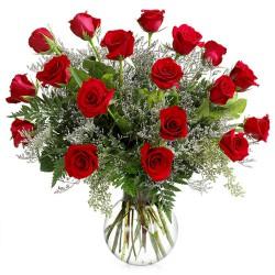 Jarrón de rosas rojas (F100)